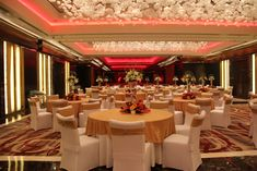 gold, white and orange banquet setup - Google Search Wedding Reception Tables, Banquet, Table Settings, Decor Ideas, Table Decorations, Orange, Google Search, Red, Home Decor