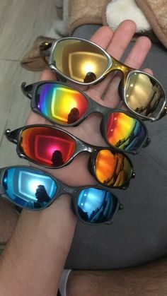 Mirrored Sunglasses, Mens Sunglasses, Oakley Glasses, Style, Couple Outfits, Beauty Products, Fashion Outfits, Lenses, Glasses