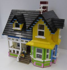 LEGO Up House