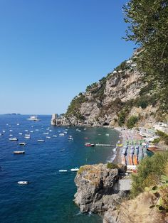 Today I'm sharing my travel guide to Positano Italy! I'm sharing tons of recommendations and travel tips from the best restaurants to try, the best beaches
