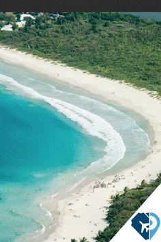 Playa Flamenco es un balneario en la Isla de Culebra, en el Estado libre asociado de Puerto Rico. Flamenco se encuentra en la costa norte de Culebra. La playa se extiende por una milla alrededor de una Bahía protegida, en forma de herradura.