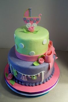 Bobbie's Cakes and Cookies: Oh, Baby!  A Clothesline Cake.