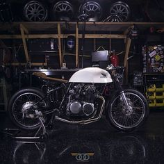 /// 1971 Honda CB500 cafe racer by Kinetic Motorcycles
