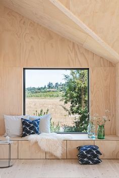 〚 Small and so cozy: modern summer cottage in Denmark 〛 ◾ Photos ◾Ideas◾ Design Plywood House, Plywood Walls, Plywood Furniture, Design Furniture, Interior Architecture, Interior And Exterior, Interior Design, Design Design, Wood Interiors
