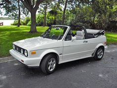 Almost like my first car, mine was older an :) Golf 1 Cabriolet, Vw Golf Cabrio, Vw Mk1, Volkswagen Jetta, My Dream Car, Dream Cars, Rim And Tire Packages, Used Jeep Wrangler, First Car