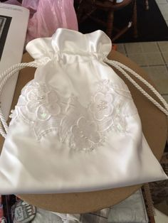 Drawstring purse for wedding