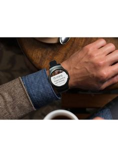 Even the best smart watches out there will be for nothing if they get all banged up not one month after you buy them. Android Wear, Android Watch, Best Smart Watches, Cool Watches, Led Watch, Waterproof Watch, Smartwatch, Cool Gadgets, Watch Bands