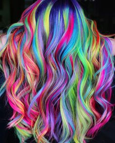 Holographic Hair: New Colour Trend – My hair and beauty Vivid Hair Color, Cute Hair Colors, Pretty Hair Color, Beautiful Hair Color, Hair Dye Colors, Rainbow Hair Colors, Colorful Hair, Lite Brite, Pelo Multicolor
