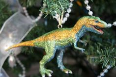 DIY modcloth inspired dinosaur ornaments :O @Vicky C how have we not thought of this??