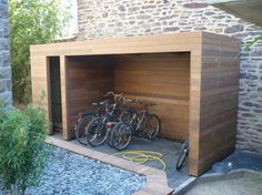 Amazing Shed Plans - Abri vélo en bois - Now You Can Build ANY Shed In A Weekend Even If You've Zero Woodworking Experience! Start building amazing sheds the easier way with a collection of shed plans! Bike Storage Home, Outdoor Bike Storage, Outside Bike Storage, Diy Shed Plans, Storage Shed Plans, Garage Velo, Carport Modern, Bike Shelter, Simple Shed