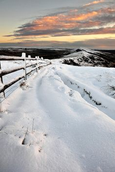 Wistfully Country, Mam Tor In The Snowbymatrobinsonphotoon Flickr.