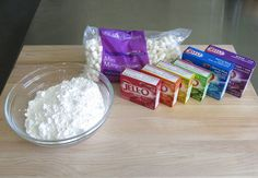 Jell-O Marshmallow Fondant recipe--love that this adds flavor and color at the same time!
