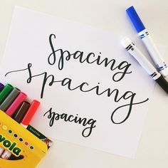to Start Lettering. Getting started using crayola markers!Getting started using crayola markers! Lettering Brush, Hand Lettering Fonts, Doodle Lettering, Creative Lettering, Lettering Styles, Chalk Typography, Hand Lettering Tutorial, Pretty Writing, Fancy Writing