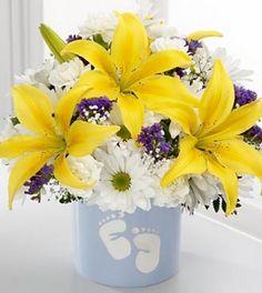 Sweet Dreams Bouquet by FTD - Boy - DELUXE - http://www.247babygifts.net/sweet-dreams-bouquet-by-ftd-boy-deluxe/