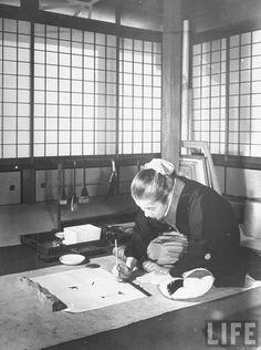 Artist Mrs. Shoen Uemura painting picture. Location:Kyoto, Japan Date taken:December 1945 Photographer:Dmitri Kessel #japanese #artist