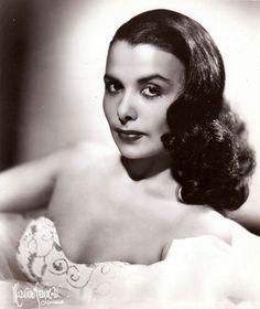 The ever beautiful Lena Horne Lena Horne, Old Hollywood Glamour, Vintage Hollywood, Hollywood Stars, Classic Hollywood, Hollywood Divas, Hollywood Icons, Vintage Black Glamour, Look Vintage