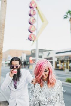 This Las Vegas elopement is the epitome of cool