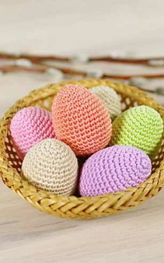 Simple Crochet Chicken Eggs – Easter Eggs – Amigurumi by Kristi Tullus