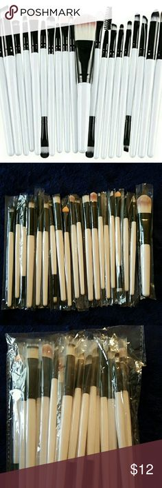 20pc White Black Makeup Brush Set CHECK OUT MY CLOSET FOR MORE ITEMS!   New   Brushes Only   No Case  Synthetic Hair Makeup Brushes & Tools
