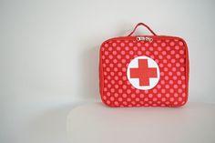 doktorský kufřík červené puntíky