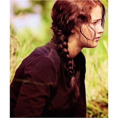Image about girl in the hunger games by Frederique Katniss Hair, Katniss Everdeen, Hunger Games Catching Fire, Hunger Games Trilogy, Mockingjay, Jennifer Lawrence, Little Sisters, I Movie, Good Movies