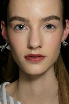 Donna Karan at New York Fall 2015. http://votetrends.com/polls/369/share #makeup #beauty #runway #backstage