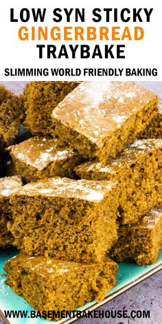 This LOW SYN Sticky Gingerbread Traybake is the perfect Slimming World Christmas recipe at just one syn per slice, ideal for festive celebreations! astuce recette minceur girl world world recipes world snacks Slimming World Deserts, Slimming World Puddings, Slimming World Recipes Syn Free, Slimming World Diet, Slimming Eats, Slimming World Biscuits, Slimming World Cookies, Slimming World Carrot Cake, Slimming World Flapjack