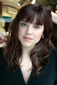 Cute Medium Hairstyles with Bangs for Women, Frisuren, Womens Medium Hairstyles with Bangs. Medium Hair Styles For Women, Cute Hairstyles For Medium Hair, Haircuts With Bangs, Short Hair Styles, Lob Bangs, Full Fringe Hairstyles, Braid Bangs, Funky Hairstyles, Layered Haircuts