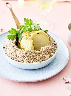 Chou-rave en croûte de sel et crumble de noisettes