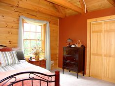Log Home Bedroom, Bedroom Decor, Loft Bedrooms, Cute Bedroom Ideas, Window Ideas, Window Design, Log Cabins, Beautiful Bedrooms, Log Homes