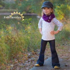 Cute for Hattie! The Sansa Flare Pants PDF Sewing Pattern by Bella Sunshine Designs - I love the vibe of these knit pants! Pin for later! Flare Pants Pattern, Sewing Patterns Girls, Pattern Sewing, Pdf Patterns, Clothing Patterns, Knitting Patterns, Bell Bottom Pants, Bell Bottoms, Kids Pants