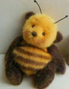 Bee the bear Cute Stuffed Animals, Cute Animals, Stuffed Bear, Softies, Plushies, I Love Bees, Bee Art, Cute Teddy Bears, Baby Teddy Bear