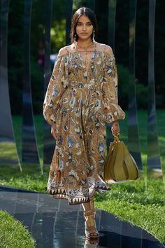 Fashion News, Fashion Beauty, Womens Fashion, Fashion Trends, Vogue Russia, Ulla Johnson, Fashion Show Collection, Celebrity Style, Ready To Wear