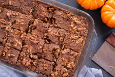 Another crunch this time with pumpkin. Feel free to add some pumpkin pie spice to this but the spice cake does add some spice! Pumpkin Crunch Recipe, Pumpkin Pie Spice, Spice Cake, Saturated Fat, Serving Size, Thanksgiving Recipes, Spices, Nutrition, Beef