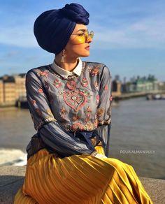Pinterest: @adarkurdish Hijab Turban Style, Turban Fashion, Hijab Fashion, Pleated Skirt Outfit, Skirt Outfits, Curvy Girl Fashion, Womens Fashion, Headscarves, Hijab Styles
