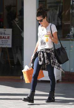 La forma en que las celebrities llevan sus camisas : ELLE