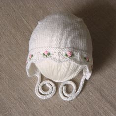 White baptism hat with pin roses knitted baby hat for by Tuttolv