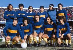 1976. Boca Juniors - De pie: Mouzo, Suñé, Sá, José María Suárez, Gatti y Ribolzi. Hincados: Mastrángelo, Jorge José Benitez, Taverna, Felman y Tarantini.