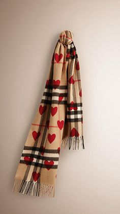 Parade red The Classic Cashmere Scarf in Check and Hearts -  1