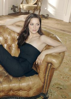 Marion Cotillard... simply, effortlessly, stunning.