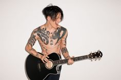 Fashion photographer Terry Richardson shares new outtakes of a photo shoot featuring singer and actor Miyavi. Having fun with the series of images, Miyavi rocks out with his guitar. Terry Richardson Photos, Handsome Asian Men, Best Guitar Players, The Fashionisto, Dir En Grey, Alfred Stieglitz, Papi, Shows, Tatoo