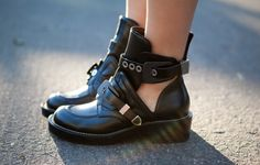 Obsession : Cut out ankle boots