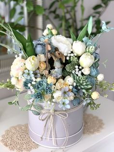 Christmas Flower Arrangements, Floral Arrangements, Easter Crafts, Holiday Crafts, Mason Jar Photo, Vence, Easter 2021, Easter Flowers, Flower Boxes