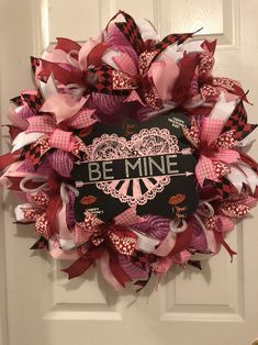 Excited to share the latest addition to my shop: Valentine's Day Sweetheart Wreath / Valentine Wreath / Heart Wreath / Be Mine / Front Door Wreath Valentine Wreath, Valentines Diy, Happy Valentines Day, Heart Wreath, Door Wreath, Deco Mesh Wreaths, Holiday Wreaths, Homemade Wreaths, Scarecrow Wreath