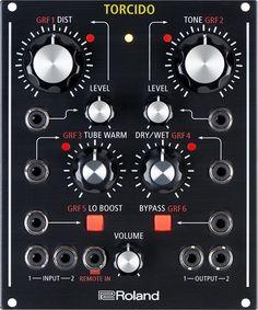 TORCIDO merupakan efek modular serbaguna yang menggabungkan suara Roland distorsi klasik serta kontrol dan fleksibilitas yang belum pernah ada sebelumnya. Bisa digunakan sebagai unit tabletop atau modul Eurorack, dan array pada CV/Gate input, compact 21 HP unit ini memiliki beragam penggunaan mulai dari studio produksi sampai pertunjukkan langsung.