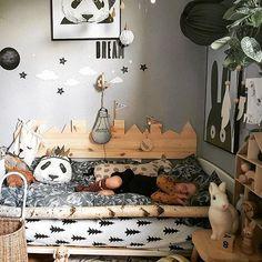 @birte_luis_milan . . . . . . . . #lekerom #kidsbedroom #nordickidsroom #barneromsideer #ryleeandcru #designletters #sarahandbendrix #olliella #stickstay #pinchtoys #oohnoo #tellkiddo #oyoylivingdesign #nurseryidea #nurseryinspirations #nurseryroomdecor #nurserydecorating #barnerommet #barneromsinterior #mittbarnerum #barnerumsinspo #barnerominspirasjon #kidsinteriordesign #nordicinspirations #nordickidsliving #nordicrooms