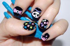 Más allá del arcoiris gris: Reto ABC: manicura con la letra J Pastel goth nail art. Panda. Stars. Bones. Eye bow.