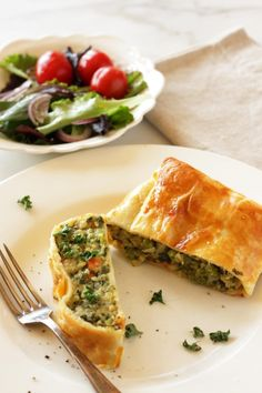 Potato Strudel with Vegetables & Herbs - Living on Cookies Vegetable Strudel Recipe, Strudel Recipes, Easter Dinner Recipes, Healthy Dinner Recipes, Appetizer Recipes, Healthy Snacks, Veg Recipes, Vegetarian Recipes, Veggie Main Dishes