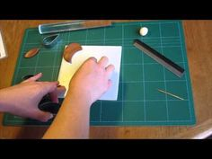How to make glittery Christmas robin card embellishments from FIMO!
