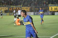 Pavón festejando su gol frente a Emelec